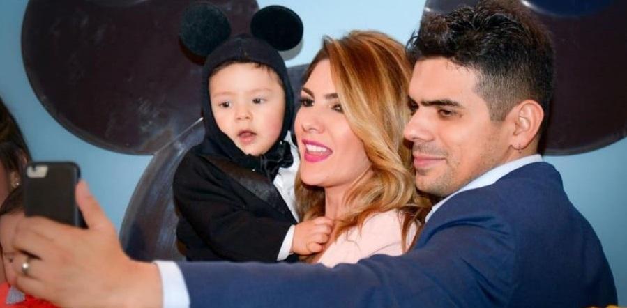 ana-karina-soto-presentadora-de-rcn-junto-a-su-hijo-dante-y-su-pareja-el-actor-alejandro-aguilar-900x485